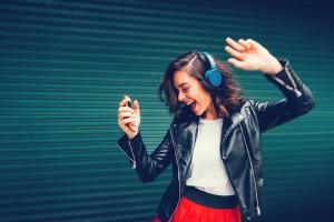 Mutlu Müzik Dinlemek Sıra Dışı Düşünmeyi Kolaylaştırıyor