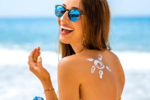 Güneş Kremi Melanom Riskini %40 Azaltıyor