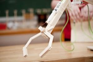 SMA Hastaları için Robotik Kol