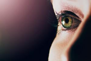 MS'te Retina Katmanının Atrofisi Hastalık İlerlemesiyle Artıyor