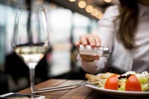 Tuzlu Beslenmek Şişkinliğe Neden Oluyor