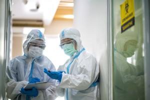COVID-19 ve Ön Saflarda Çalışan Sağlık Personelleri