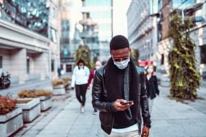 Büyük Çalışma Siyahları ve Asyalıları COVID-19`a Karşı Daha Savunmasız Buluyor