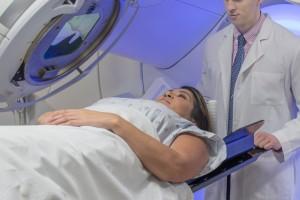 Tedavi Öncesi Tümör Büyüme Hızı, İlerlemiş KHDAK Olan Hastaların Klinik Sonuçlarını Öngörebilir Mi?