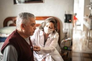 Yaşlılarda COVID-19 Enfeksiyonlarında Öne Çıkan Sorunlar